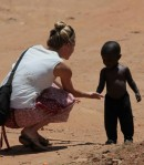 cropped-cropped-sara-and-child-in-street1.jpg